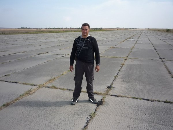 Игорь Молодан на аэродроме в Берегово